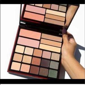 Smashbox shadow + contour + blush palette